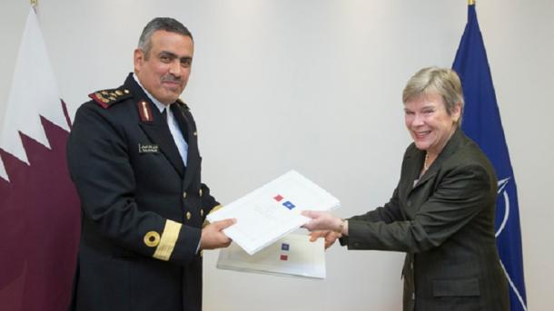 Katari nënshkruan marrëveshje sigurie me NATO-n   TRT  Shqip