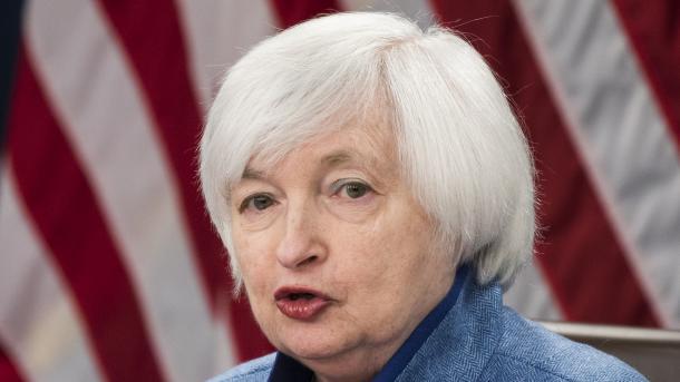Фондовые индексы США открылись разнонаправленно