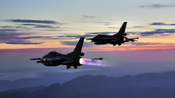 Avionët turq asgjësojnë objektivat terroriste në veri të Irakut   TRT  Shqip