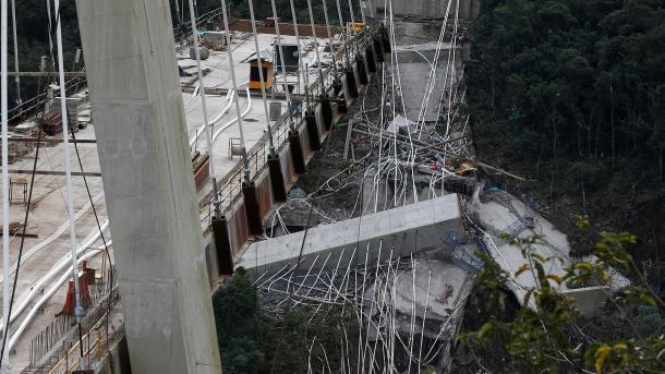 Mindestens zehn Arbeiter bei Brückeneinsturz in Kolumbien getötet