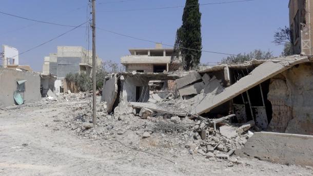 Sirija: U napadu na školu i tržnicu u Idlibu 18 poginulih, 21 ranjeno