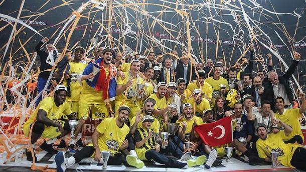费内巴切男篮赢得土航欧联冠本赛季冠军 | 三昻体育投注