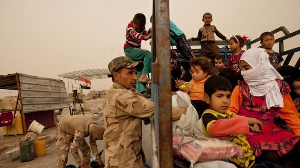 Atentado suicida mata 14 pessoas no oeste do Iraque