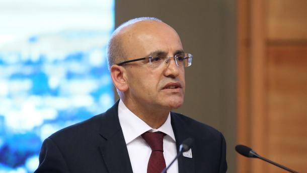 Simsek: Vendimi për zgjedhje të parakohshme, impakt pozitiv në tregjet dhe ekonominë e Turqisë | TRT  Shqip