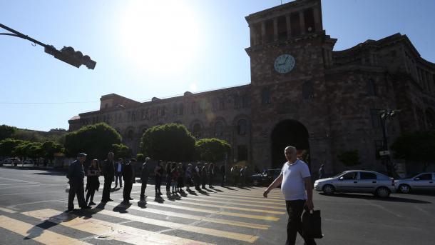 Armeni - Jeta në kryeqytetin Erevan arriti në pikën e ndalimit   TRT  Shqip