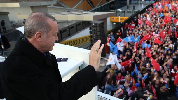Erdogan: Askush përveç Turqisë nuk i premton të ardhme popullit sirian | TRT  Shqip