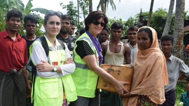 TIKA shpërndan ndihma ushqimore në Arakan   TRT  Shqip