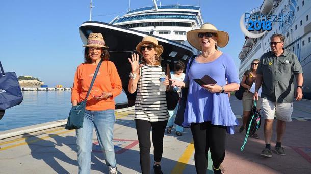 Turqi – Në maj erdhën 27% më shumë turistë | TRT  Shqip