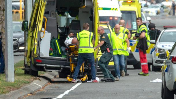 Masakër në një xhami në Zelandën e Re, deklarohen shumë të vrarë e të plagosur | TRT  Shqip