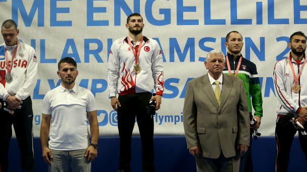 国家运动员库斯在2017听障奥运会上夺金 | 三昻体育