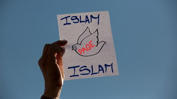 """Koment – """"Islami i Moderuar"""" për kë ose për çfarë?   TRT  Shqip"""