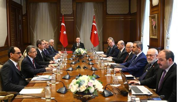 EUA e Turquia discutem criação de zona segura na Síria, diz Pentágono