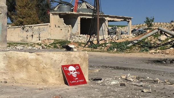 Atentado com carro-bomba deixa mortos e feridos na Capital da Síria