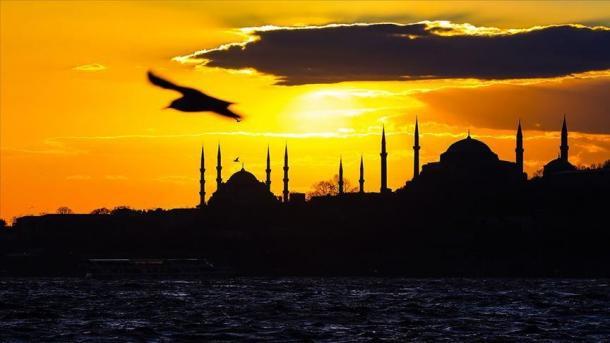Tatar süz sänğatendä İstanbul obrazı | TRT  Tatarça