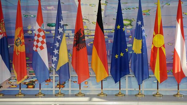 Koment - Politika e Turqisë në Ballkan që nga viti 2000 e deri më sot | TRT  Shqip