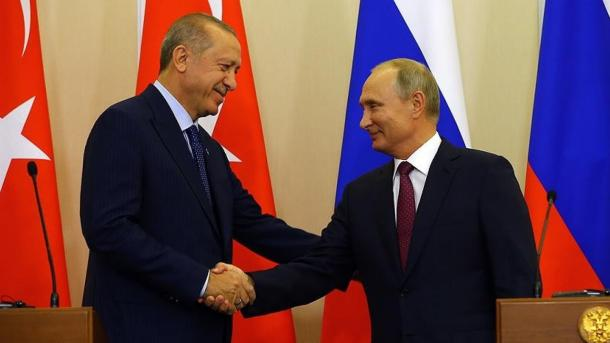 Koment – Turqia arriti të marrë nën mbrojtje me miliona sirianë | TRT  Shqip