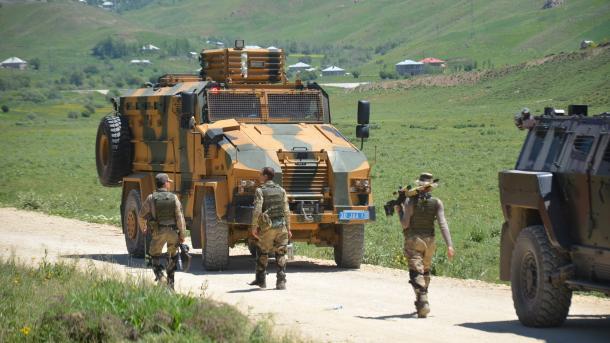 Ushtria turke përparon drejt Kandilit, strofka e organizatës separatiste terroriste PKK   TRT  Shqip