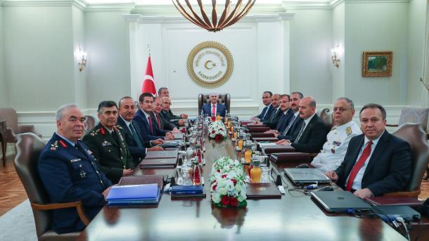 Un an après le putsch manqué, les chefs des armées remplacés — Turquie