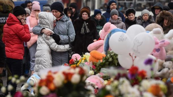 Incendio en centro comercial de Rusia deja decenas de muertos