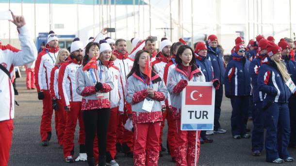 Нацеремонии открытия Олимпиады прошли русские спортсмены