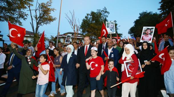 Erdogan se pridružio Maršu nacionalnog jedinstva u Istanbulu