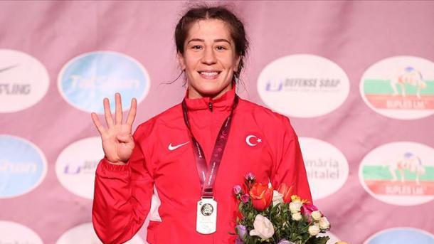 国家摔跤运动员雅赛敏连续四次夺得欧锦赛冠军 | 三昻体育平台