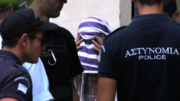 Gjykata greke refuzon kërkesën e puçistit turk për azil | TRT  Shqip