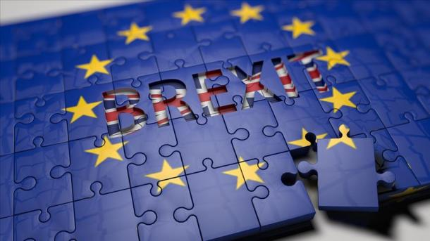 Brexit : les députés rejettent l'accord du Premier ministre britannique