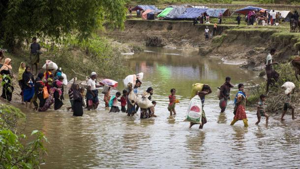 Волна геноцида вМьянме: беженцев рохинджа уже около 50 тыс.