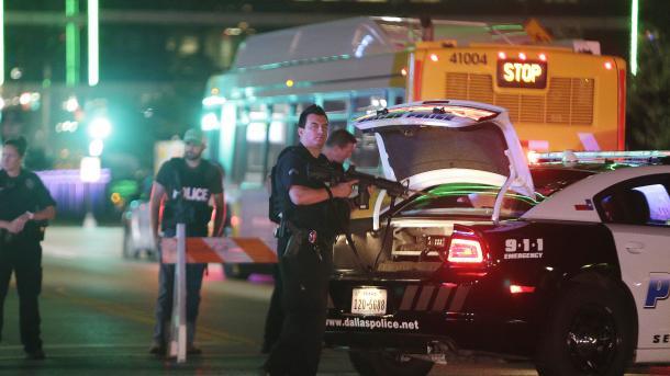 Pucnjava u šoping centru u Houstonu: Ranjeno devet osoba