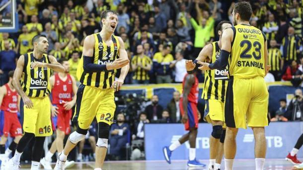 Fenerbahçe vazhdon të kryesojë në 'Turkish Airlines Euroleague'   TRT  Shqip