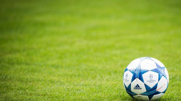 欧冠赛前发生爆炸大将受伤比赛改明日进行 | 三昻体育投注