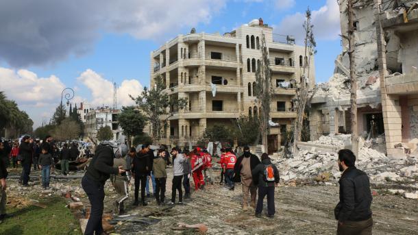Siri – 9 të vdekur nga një sulm të dyfishtë me autobombë në Idlib | TRT  Shqip