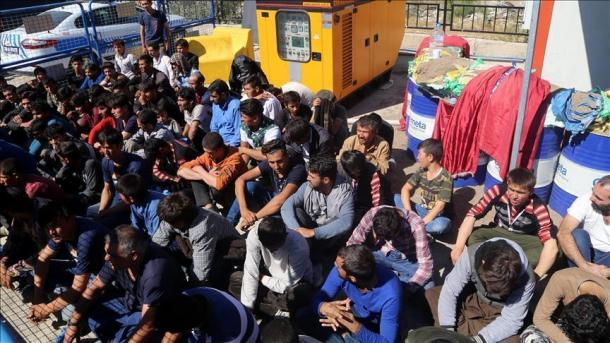 Migración de venezolanos 'caminantes' preocupa al Gobierno