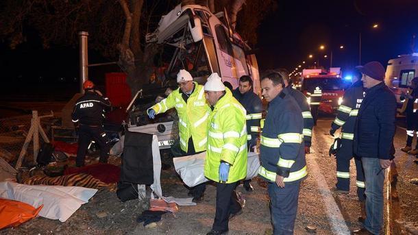 Acidente com autocarro faz várias vítimas — Turquia