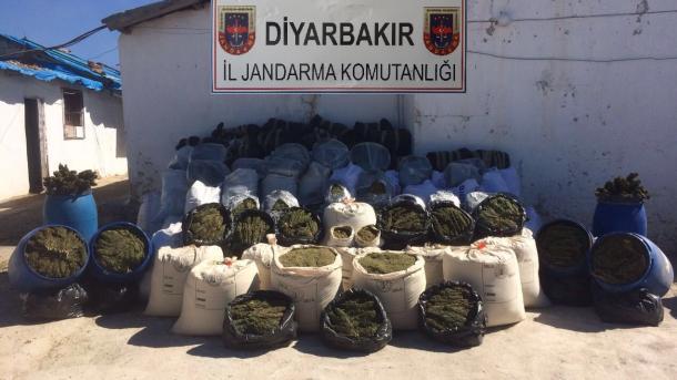 Turska: Od terorista PKK zaplijenjeno pet tona marihuane i blizu 800.000 stabljika indijske konoplje