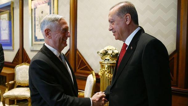 US-Verteidigungsminister Mattis zu Überraschungsbesuch im Irak