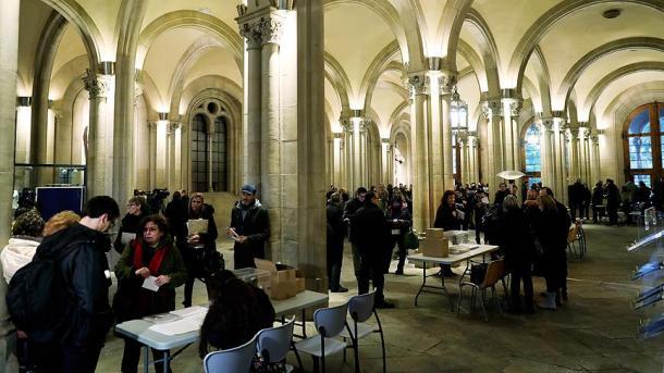 Сторонники независмости получили абсолютное большинство впарламенте— Выборы вКаталонии