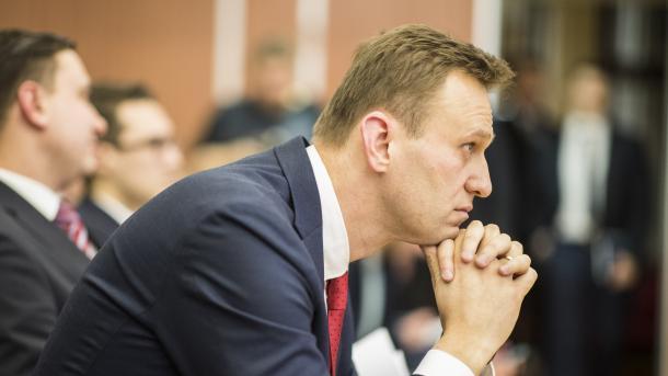 Comitê eleitoral da Rússia impede líder da oposição de concorrer à presidência
