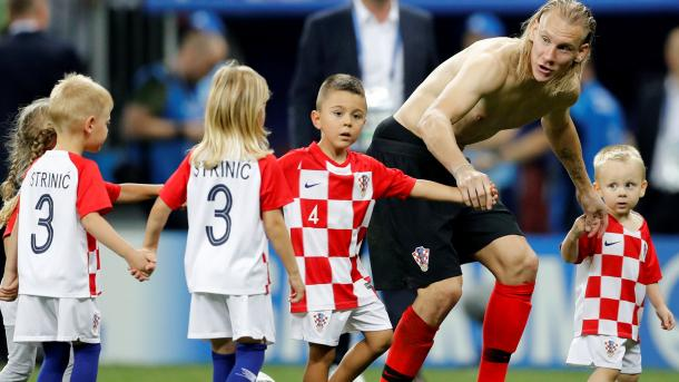 2018-07-11T210500Z_422759836_RC1D80AFCF90_RTRMADP_3_SOCCER-WORLDCUP-CRO-ENG.JPG