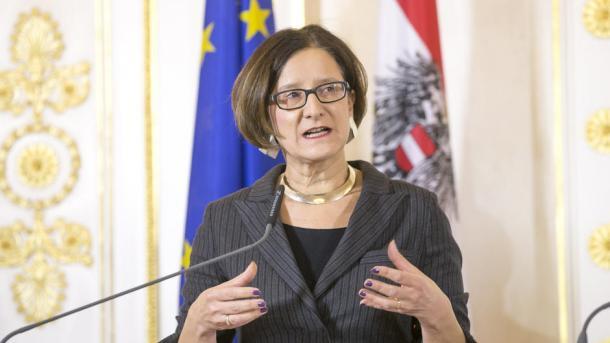 Austri - Mikl-Leitner: S'do të ndjekim shembullin e askujt për krizën e emigrantëve