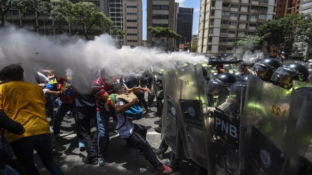 El Aissami responsabiliza a Borges por hechos de violencia