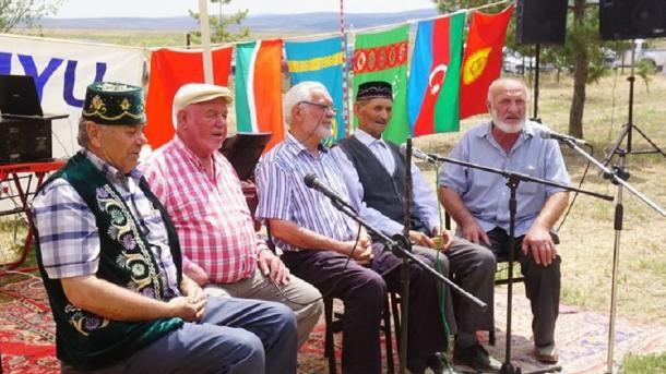 Kuruhöyük Osmaniye tatar awılı Sabantuyında äñgämälär | TRT  Tatarça