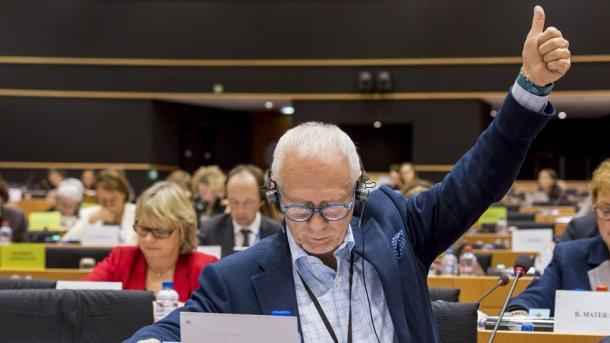 Parlamenti Evropian – Komiteti LIBE voton në favor të liberalizimit të vizave për Kosovën | TRT  Shqip