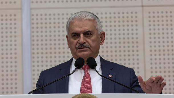 Kryeministri Yildirim kritikoi vendimin e ShBA-së për Turqinë | TRT  Shqip