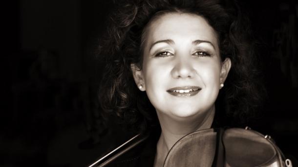 Gjermania vlerëson me çmim violinisten dhe docenten Ervis Gega Dodi | TRT  Shqip