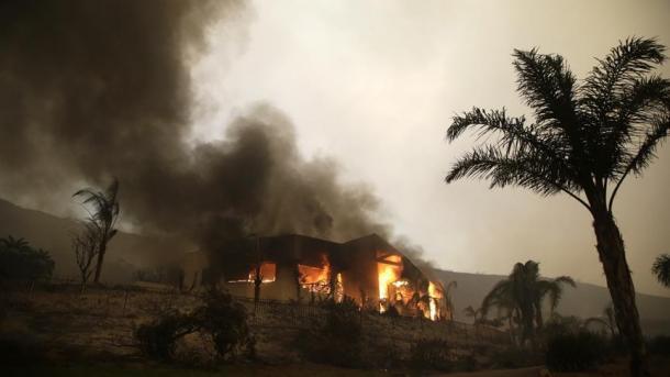 ShBA - Numri i të vdekurve nga zjarret rritet në 31 | TRT  Shqip