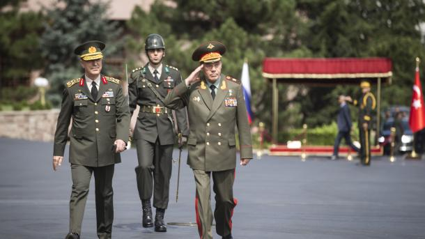Начальники Генштабов РФ иТурции обсудят Сирию вАнкаре