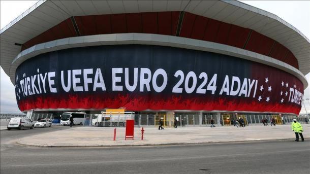 Turqia aspiron të organizojë Evropianin e Futbollit, Euro 2024 | TRT  Shqip