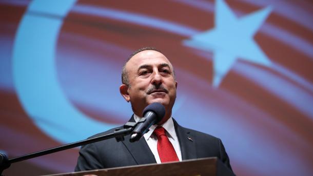Çavusoglu falënderon Pakistanin për vendimin në lidhje me FETO-n | TRT  Shqip